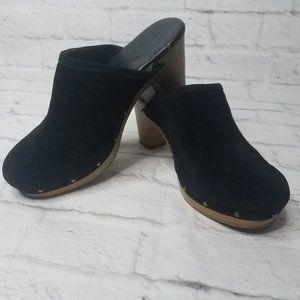 American Eagle Black Suede Clogs Size 8